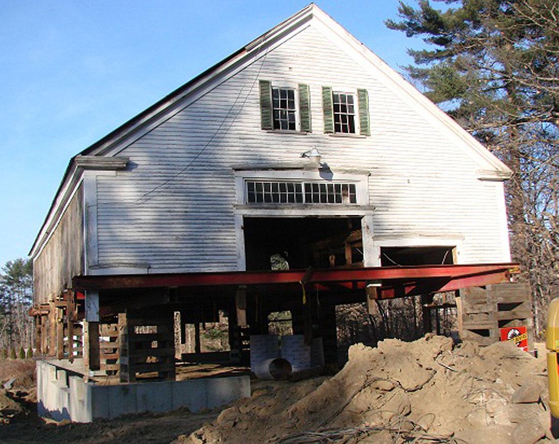 Houses And Barns 1800s Timber Frame Barn Renovation