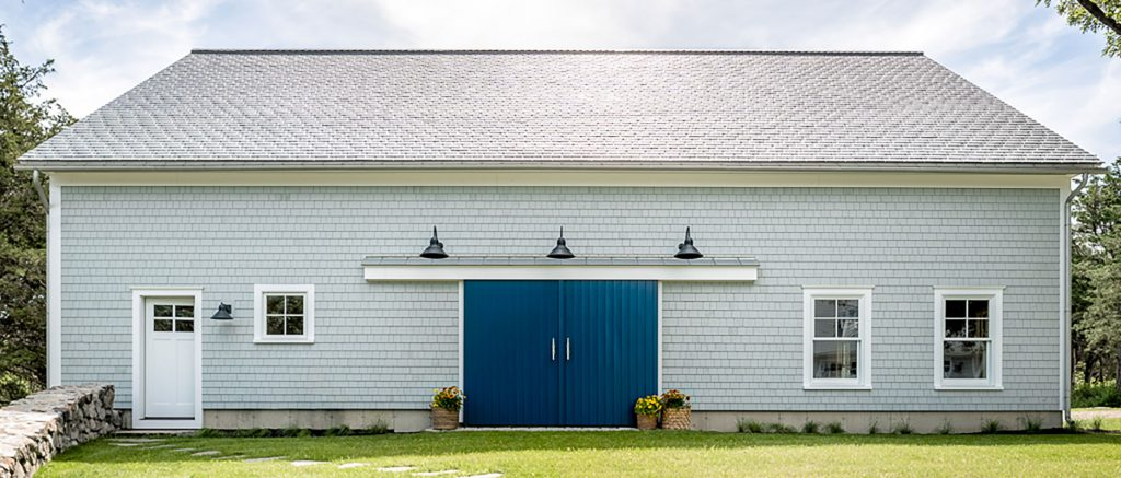 Houses and Barns | Queen-Post Timber Frame Barn